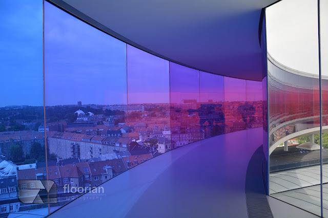 Your rainbow panorama na szczycie muzeum ARos w duńskim Aarhus