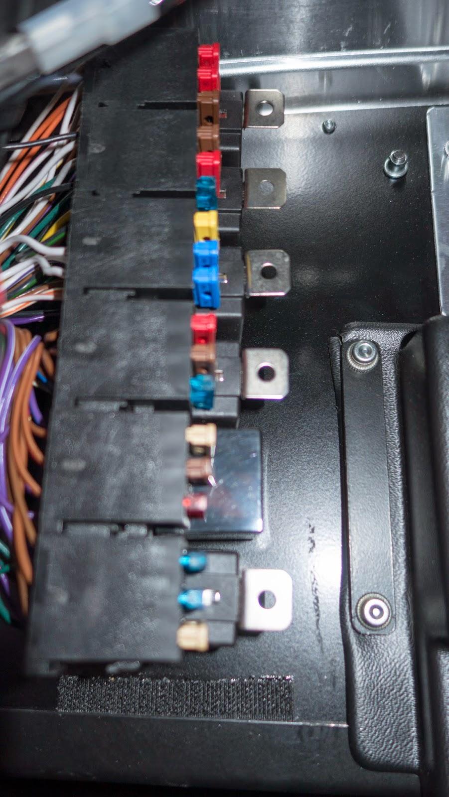 medium resolution of orignal fuses in caterham r500 fuse box