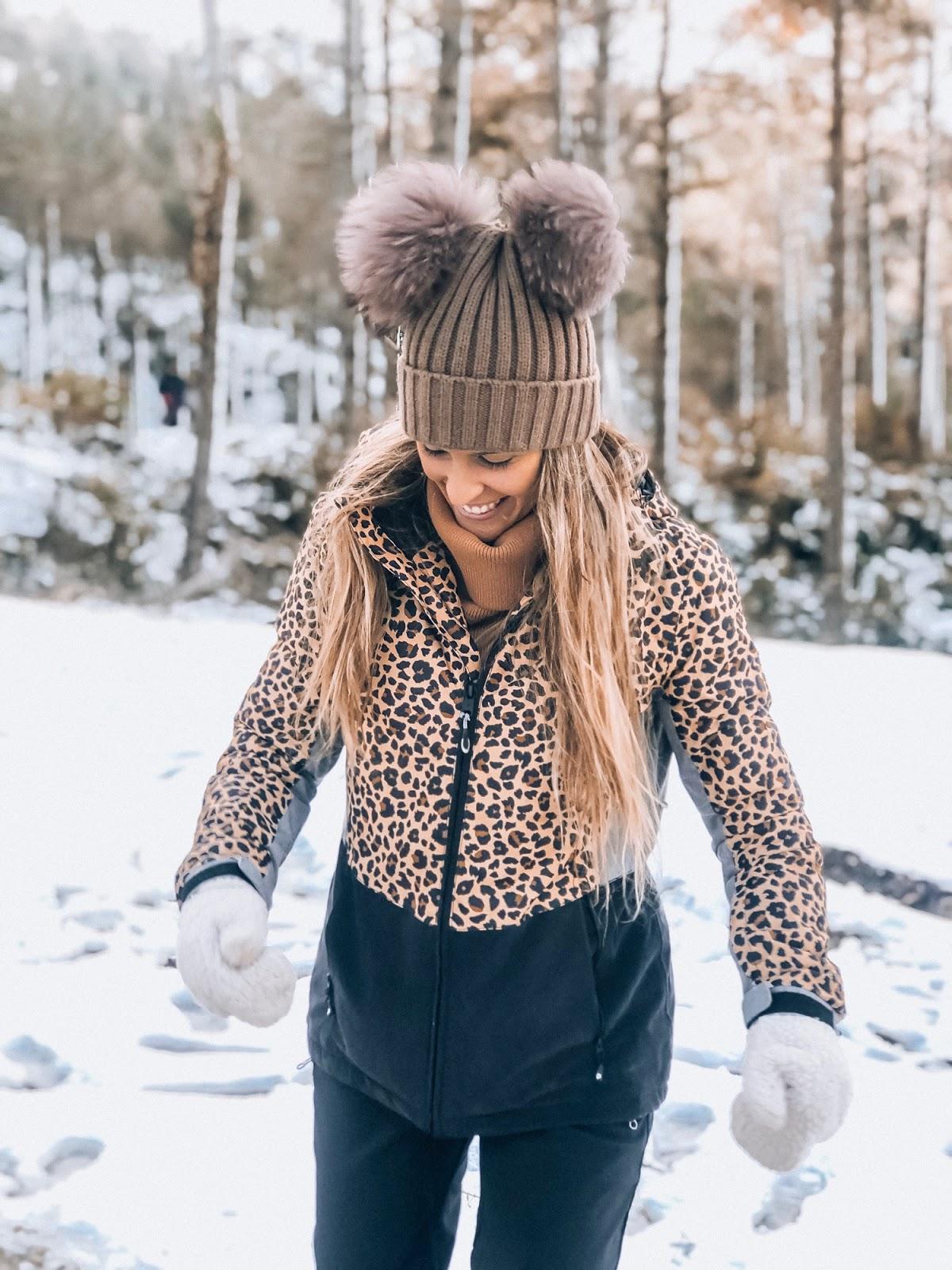 ropa de esquí leopardo