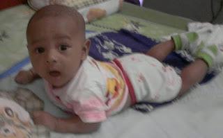 Motorik Bayi usia 2 bulan
