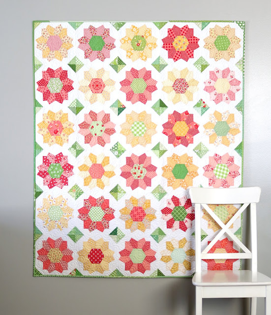 Dahlia quilt - an english paper pieced quilt by Andy of A Bright Corner.  A great scrap quilt using Playing with Paper starter set 43 by Sue Daley Designs