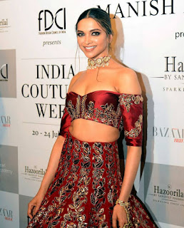 Deepika Padukone Lovely Cleavages on ramp walk for Manish Malhotra   Very Sexy Flat Chest and Lovely Navel Hole