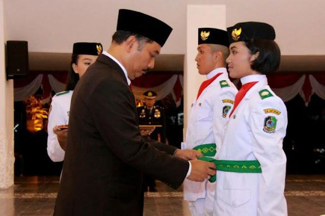 Ananda Mikola, Pelajar Banyuwangi Turut Kibarkan Bendera di Istana Negara