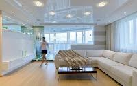 Натяжные потолки в квартире студии