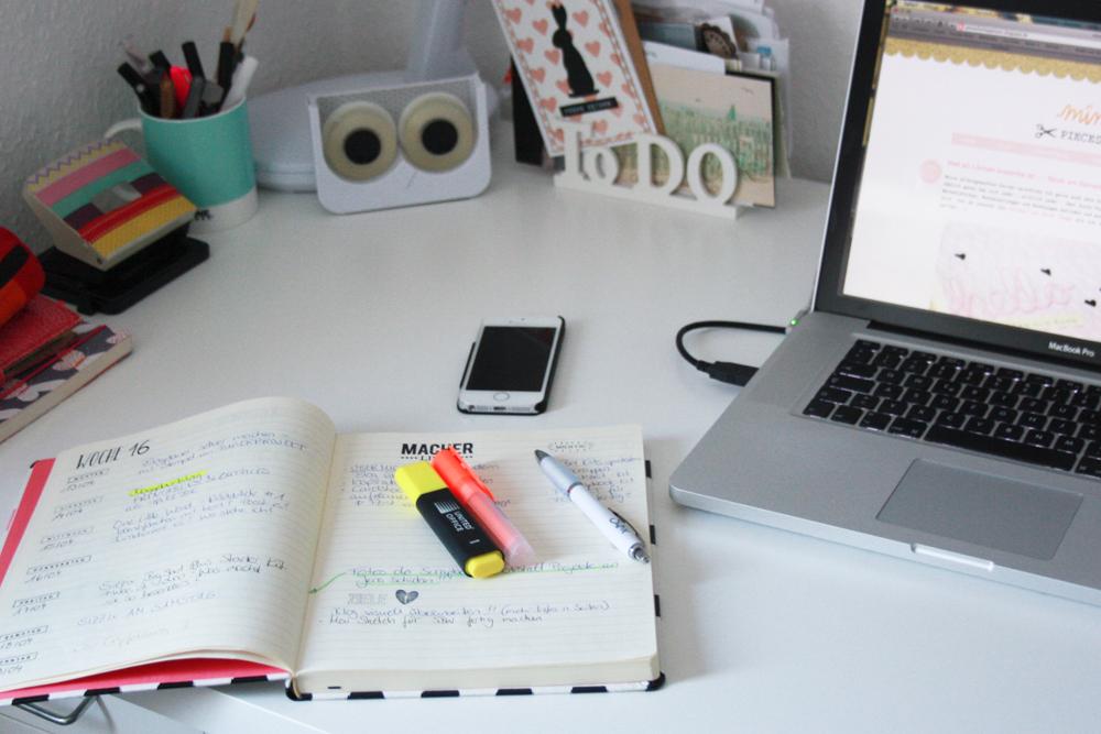 blogplaner selber machen organisiert bloggen pieces for happiness. Black Bedroom Furniture Sets. Home Design Ideas