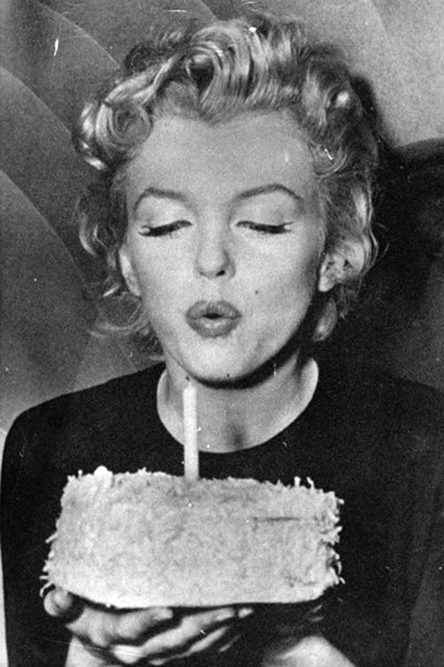 Открытка мэрилин монро с днем рождения