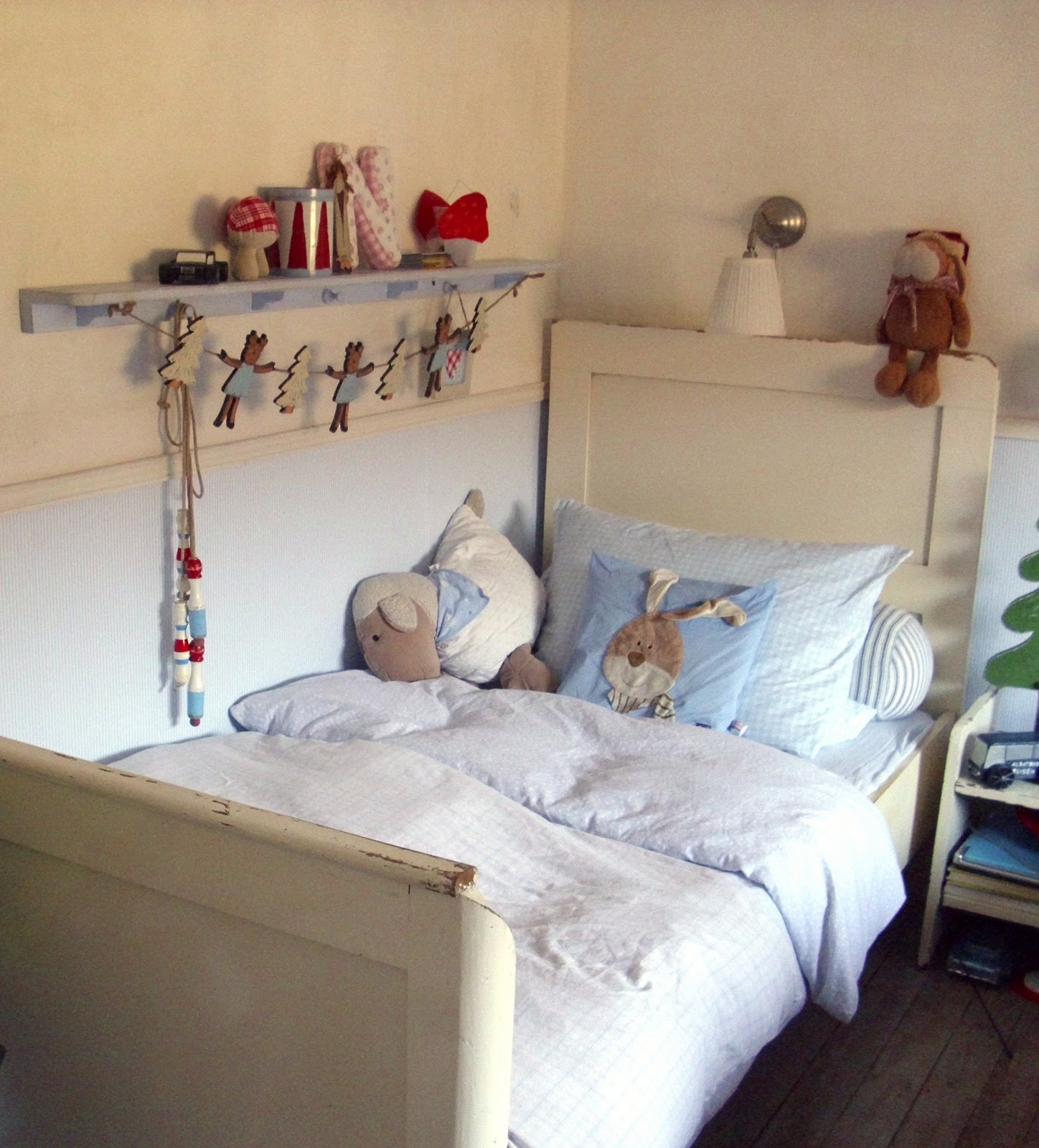 waldstrumpf ein neues bett. Black Bedroom Furniture Sets. Home Design Ideas