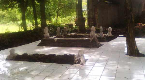Makam Mbah Anggungboyo, Joko Tingkir, di Desa Pringgoboyo Lamongan