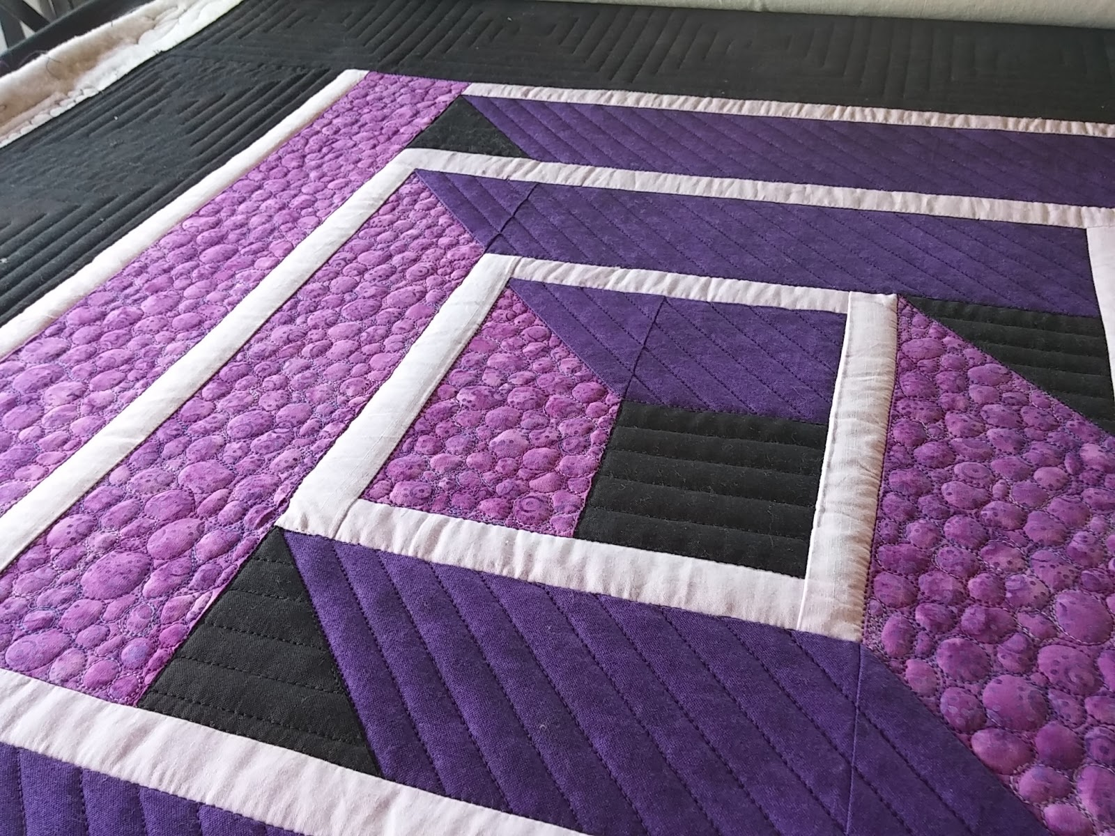 Kissed Quilts Keeping It Simple And Stunning August 2016
