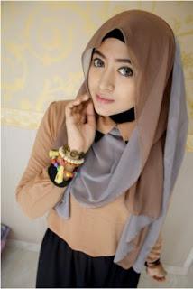 Contoh Kreasi Hijab Segi Empat Simple