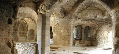 http://abbaye-saint-roman.com/