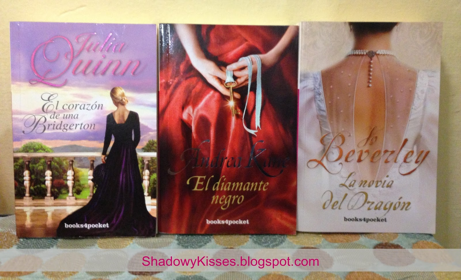 Libros Andrea Kane Shadowy Kisses Escala De Colores 1 Rosa
