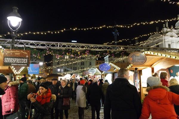 vienne vienna marché Noël weihnachtsmarkt am hof