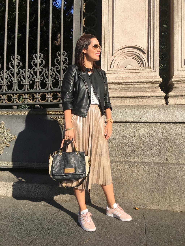 outfit-falda-midi-zara-adidas-gazelle-street-style