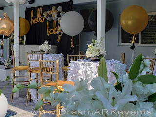 Backyard decoration with jumbo balloons
