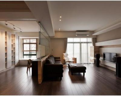 Sàn gỗ tự nhiên chiu liu lắp đặt ở phòng khách