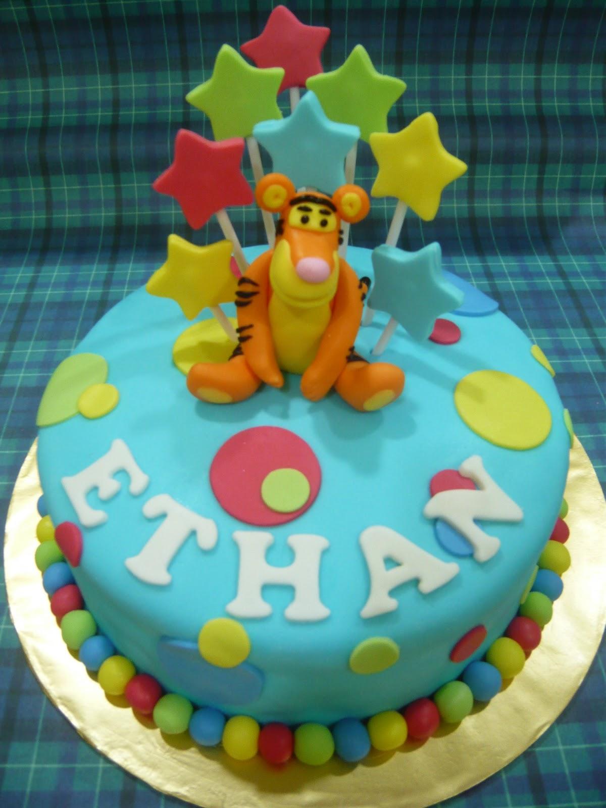 Jenn Cupcakes Amp Muffins Tigger Cake For Ethan