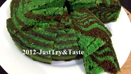 Resep Cake Kukus Pisang Zebra Hijau & Coklat