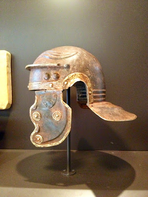 yelmo de legionario romano - Museo Arqueológico Nacional - MAN - Madrid el troblogdita
