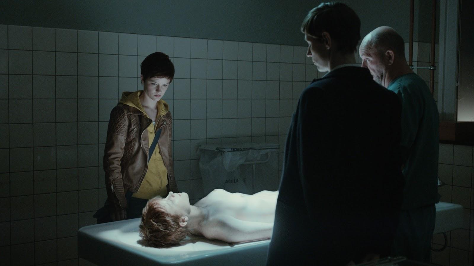 La protagonista de Beau Séjour en una escena de la serie