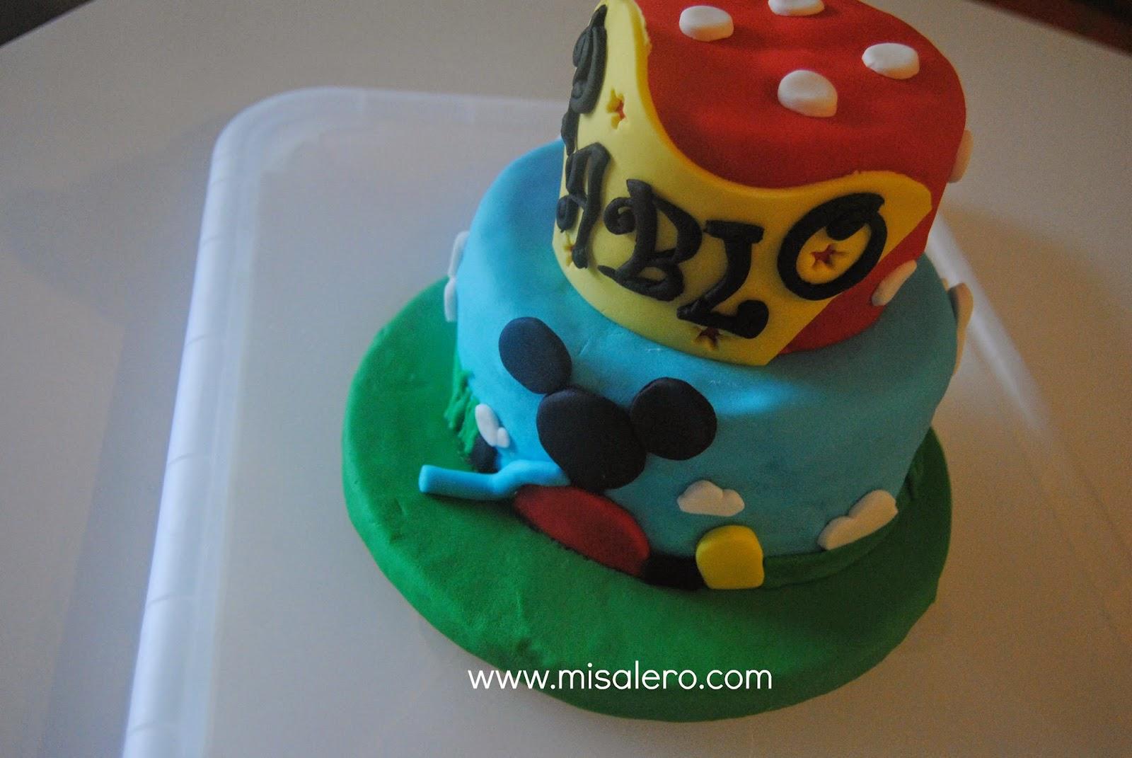 http://www.misalero.es/2014/07/tarta-mickey-play-house.html