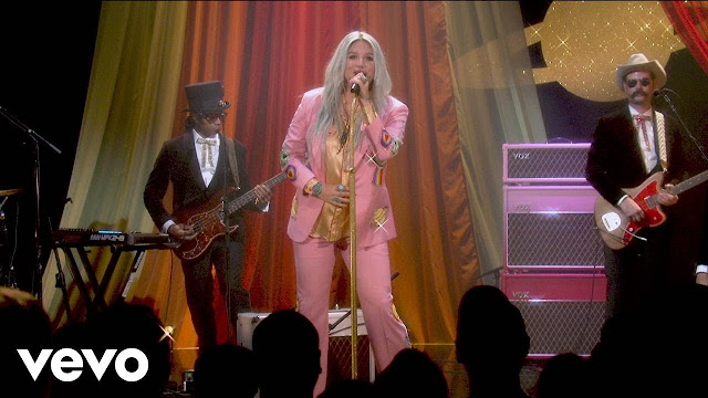 "Kesha Performs ""Woman"" For Youtube"