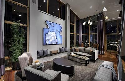 8 Ide Mendekorasi Ruang Keluarga Dengan Atap Yang Tinggi ! - Jendela Memanjang