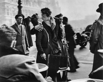 Le fameux baiser de l'hôtel de ville - Robert Doisneau