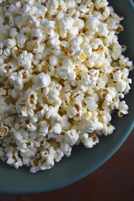 Coconut Oil and Pink Salt Popcorn