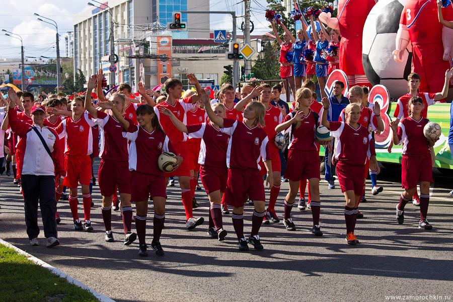Футболистки на праздновании тысячелетия единения мордовского народа с народами России