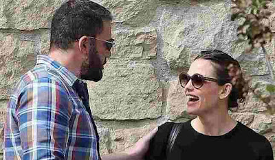 Jennifer Garners On Holiday With Ben Affleck and Her New Boyfriend