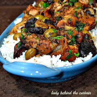 http://www.ladybehindthecurtain.com/slow-cooker-mediterranean-chicken/