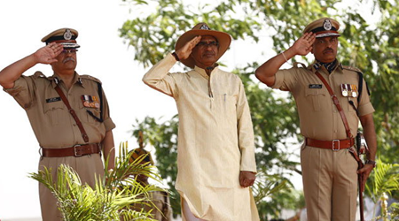 मप्र: CM ने दी बलात्कारियों के एनकाउंटर की छूट !