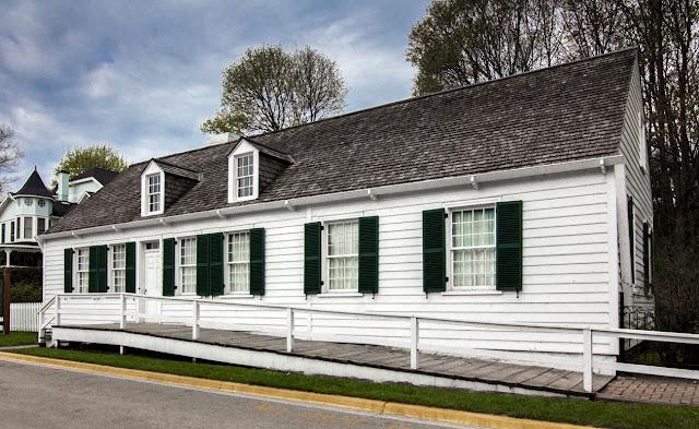 Biddle_House_-_Mackinaw_Island.jpg