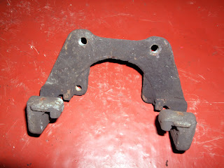 BMW E46 330d rear brake carrier dirty