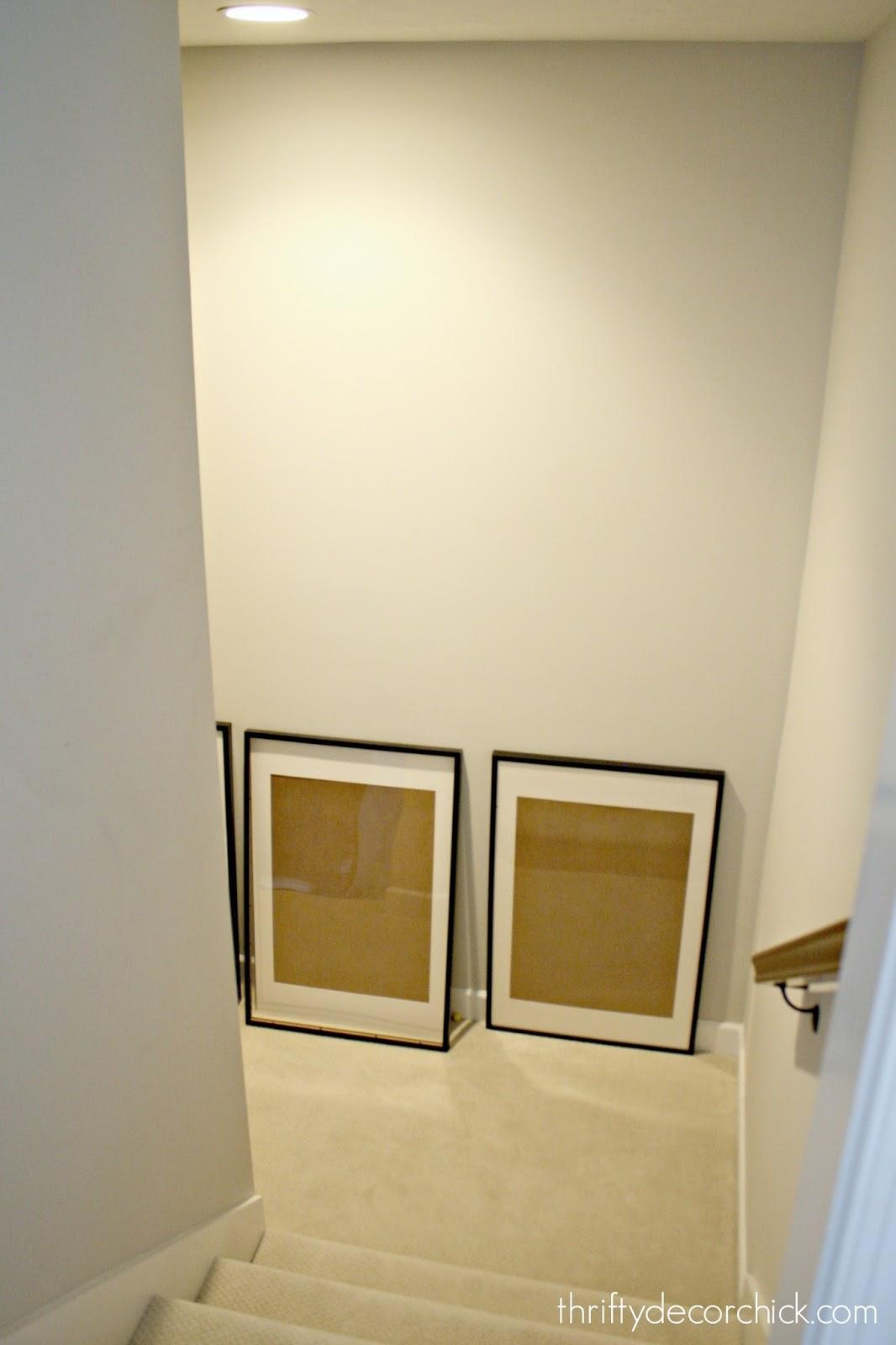 Landing wall in stairway