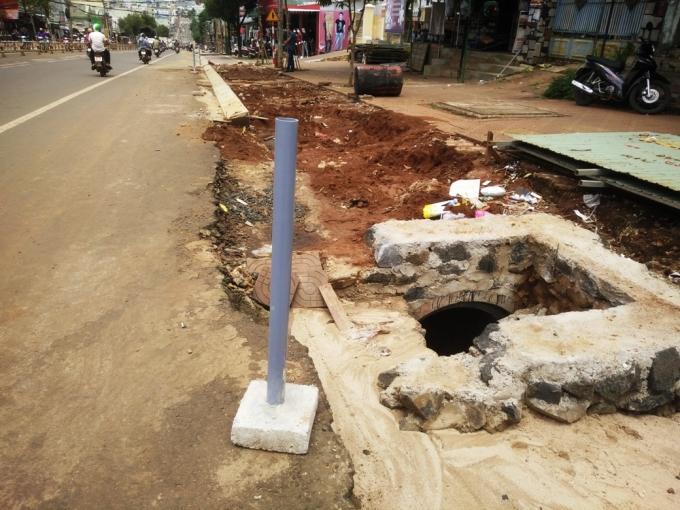 Gia Lai: Dân khổ trăm bề vì những dự án nâng cấp, mở rộng đường