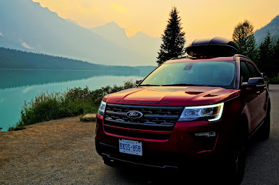 2018 Ford Explorer at Waterfowl Lakes, Banff