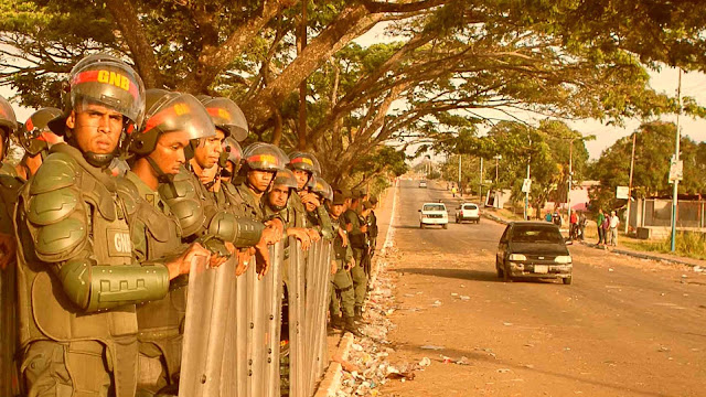 Escuadrón de la Guardia Nacional Bolivariana con Equipamiento Antimotin