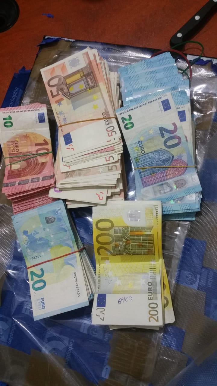 Policía Nacional apresa mujer por tráfico monetario; le ocupan más de 100 mil euros