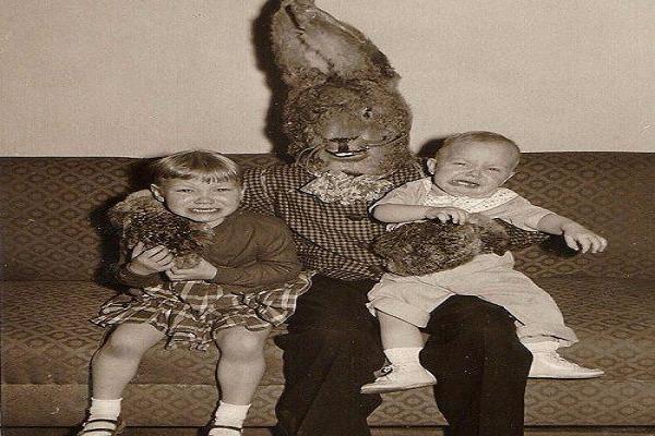 """تعرف على """"The Bad Rabbit"""" الشخصية الاكثر رعباً على الانترنت المظلم و ما كان يفعله للأطفال +18!"""