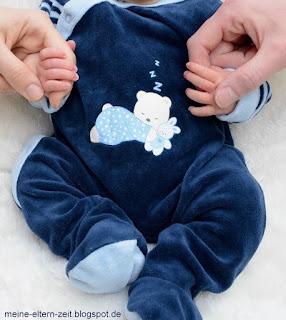 Hilfe, mein Kleinkind schläft schlecht, schwer und spät ein! Unsere Erfahrungen mit achtsamer Einschlafbegleitung