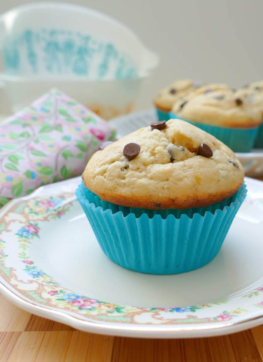 Banana Mini Chocolate Chip Muffins Recipe from Hot Eats and Cool Reads! These tasty muffins with little bites of chocolate chips are perfect for breakfast, the lunchbox, picnics or snack!