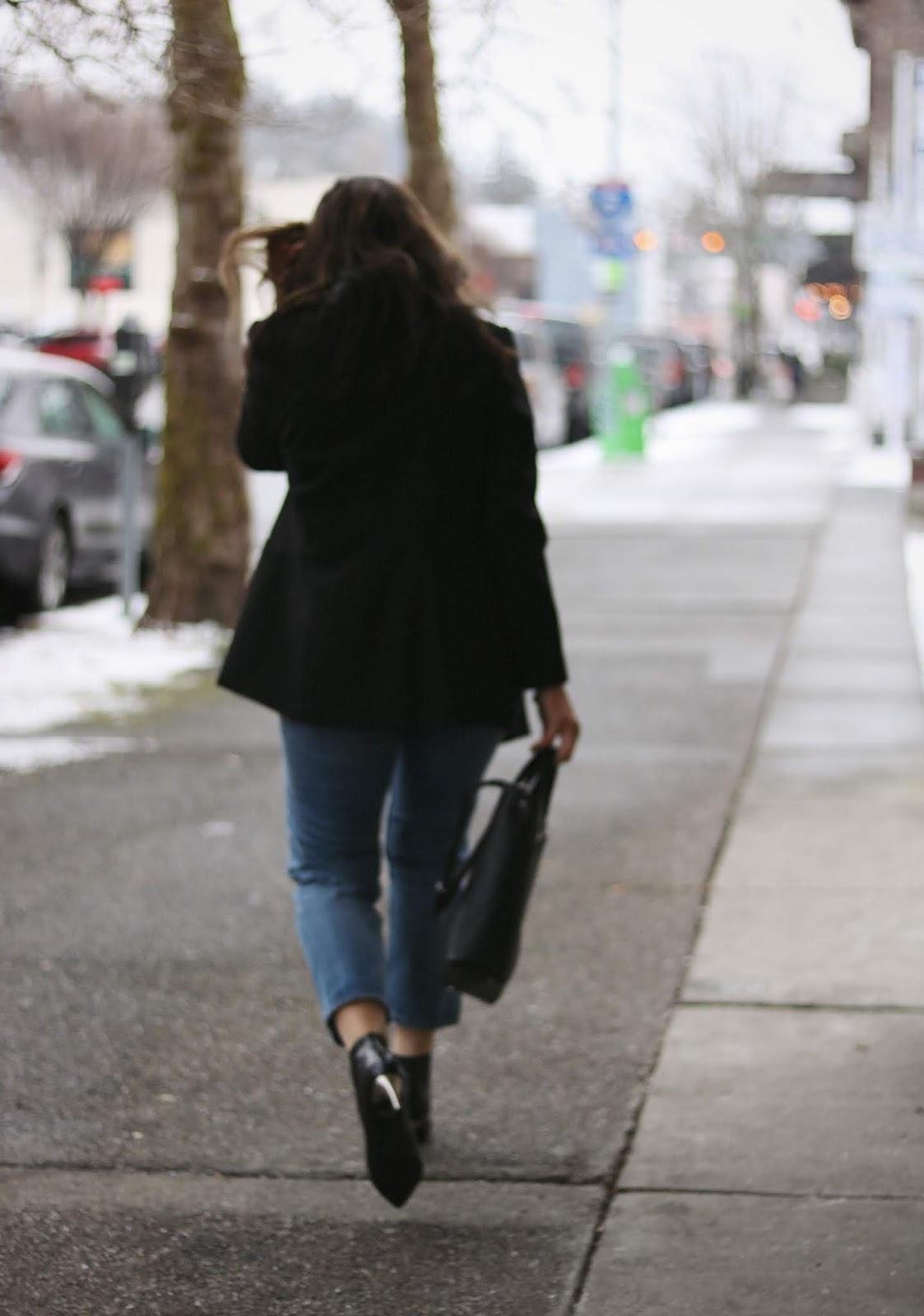 Le Chateau black blazer outfit vancouver blogger aleesha harris levis wedgie jeans proenza schouler bag