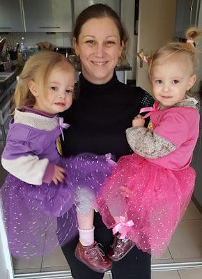jumelles-identiques-princesses-maman