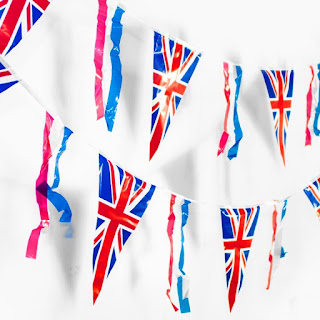 https://www.partypieces.co.uk/special-occasions/party-themes/british-vintage-street-party.html