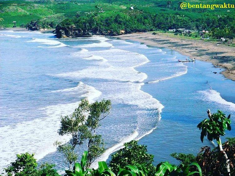 Wisata Pantai Serang Blitar Serunya Menikmati Deburan