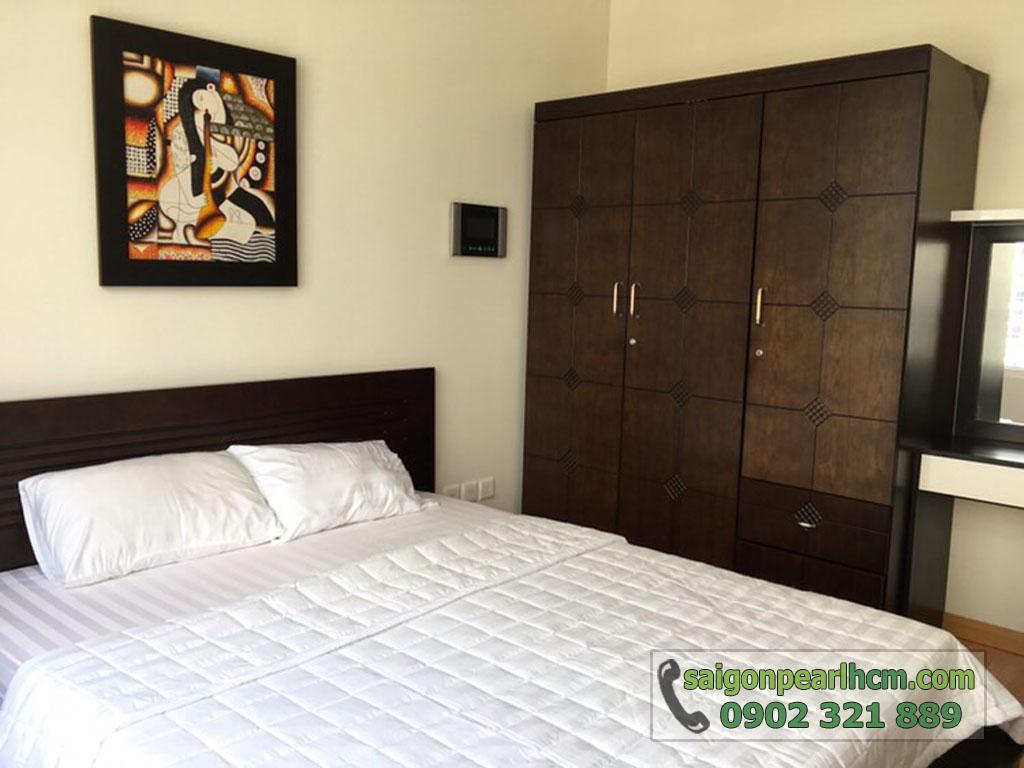 Saigon Pearl Ruby 2 cho thuê căn hộ 2PN lầu cao - phòng ngủ chính