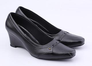 Grosir sepau kerja wanita,sepatu kantor hitam terbaru,sepatu formal trendi 2017,gambar sepatu kerja wanita elegan,toko sepatu cibaduyut online bandung.suplayer sepatu kerja wanita,sepatu kantor wanita bahan sintetis