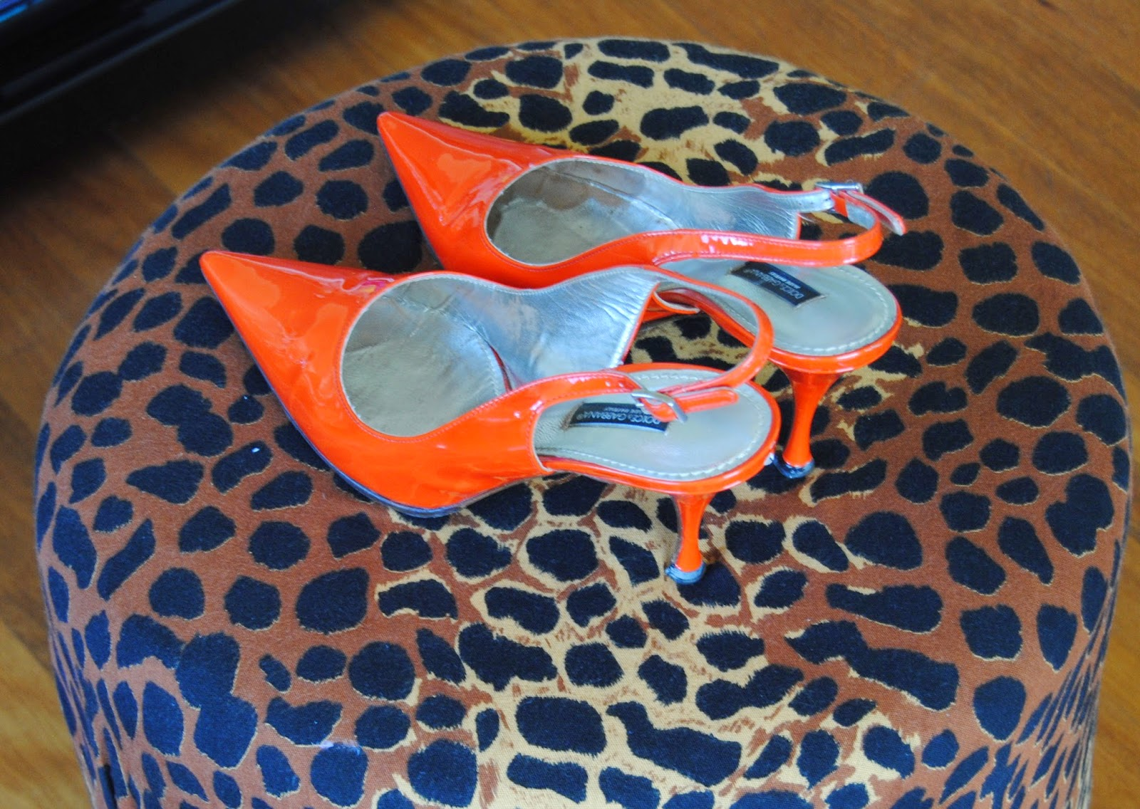 orange slingbacks, orange+animal print